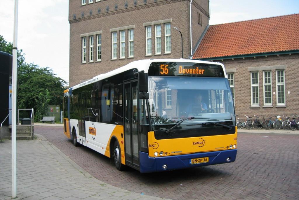 1451 te Deventer station (30-07-2004)